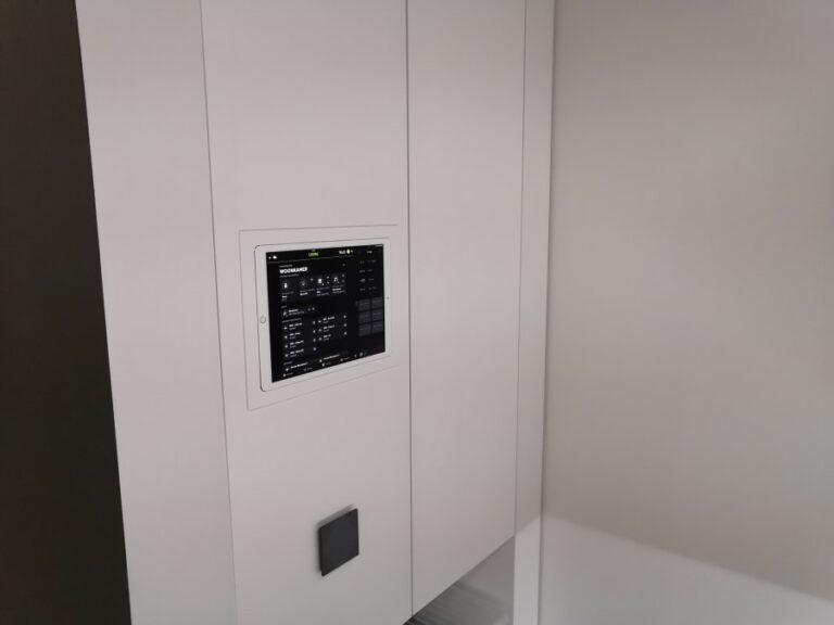 keysoft-solutions_homeautomation-ipadterminal1-900w